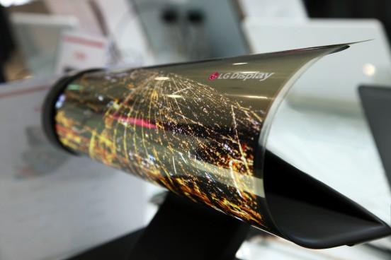 La pantalla enrollable de LG se comporta como si fuese papel